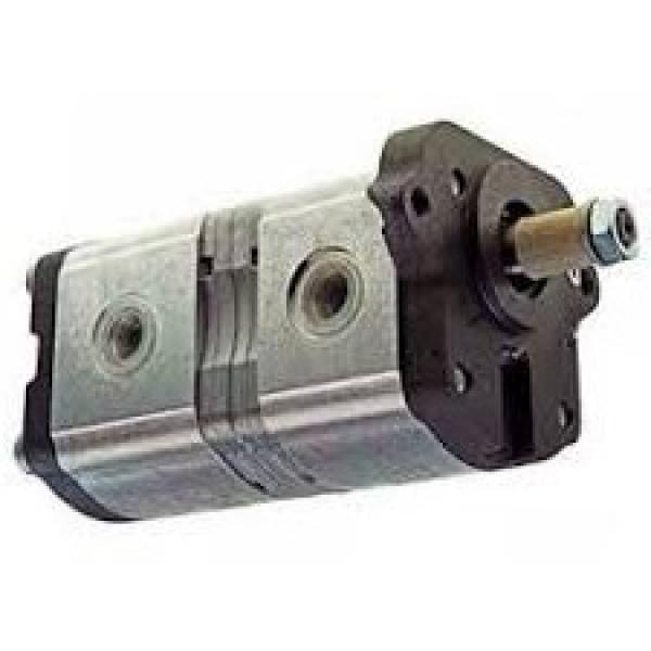 Low Profile Floor Jack w/ Speedy Lift 3-Ton Dual Pump Design Rust Resistant